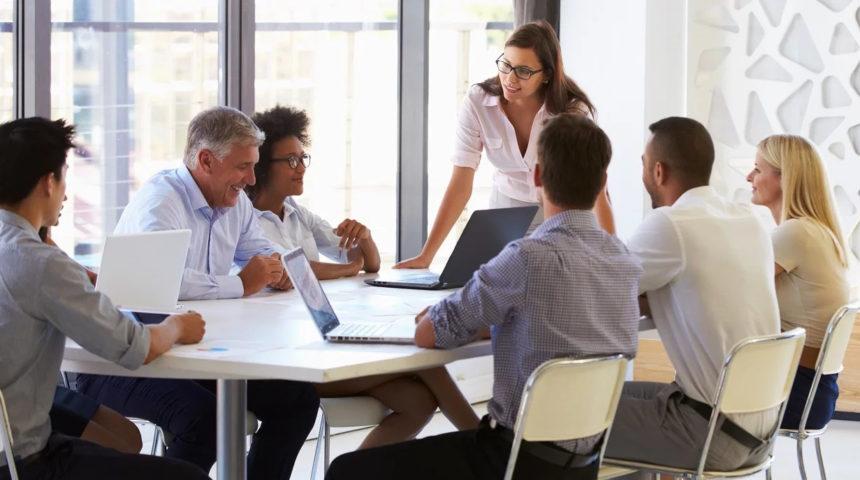 A nagyszerű vezetők hidakat építenek és nem falakat – avagy a sikeres vezetés öt lépése